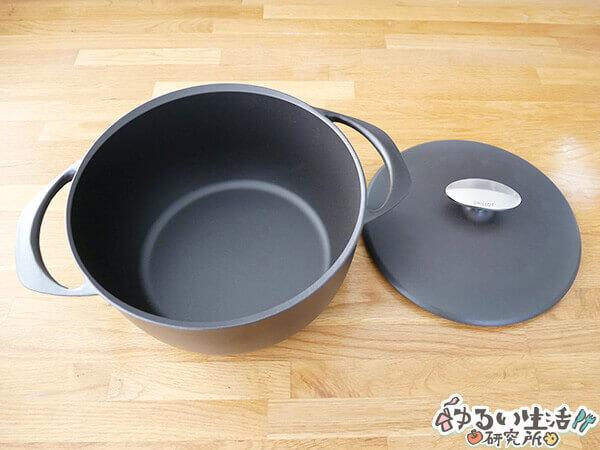 ユニロイのホーロー鍋